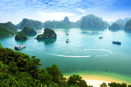 vietnam: Halong bay in Vietnam