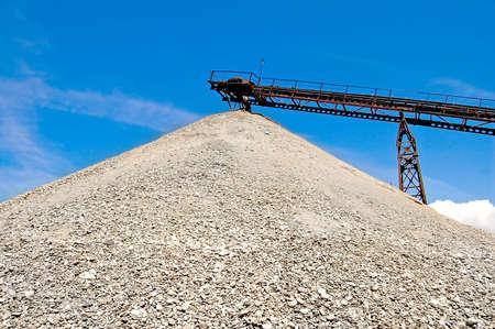 ballast: ballast pile