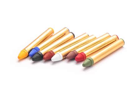 body paint: lápices de colores de pintura corporal conjunto aislado