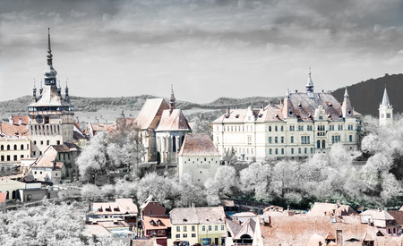 冬のシギソアラの町の街並み建築のパノラマビュー、 冬、 ルーマニア 写真素材