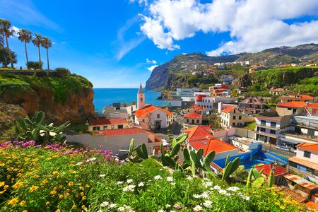 Beautiful panorama over the cityscape of Camara de Lobos in Madeira island, Portugal Imagens