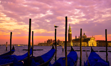 Romantic scene in Venice. Sunset over the canal 스톡 콘텐츠