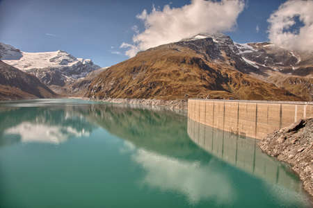 mammoth lakes: Mountain dam near Kaprun - Zell am See, Austria