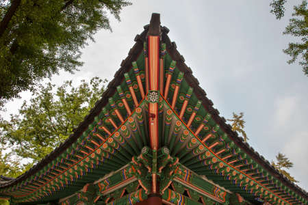 Traditional Korean temple painted wood details Редакционное