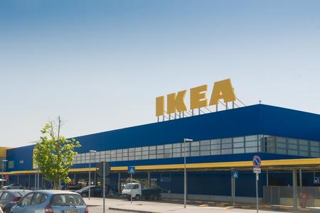 PISA, IT - 19 APRIL 2018; IKEA-winkelfront in Pisa, Italië Redactioneel