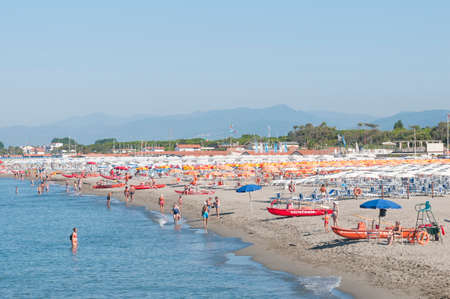 Overview of the beaches and seaside resorts of Marina di Carrara in Italy after anti-covid-19 measures Redactioneel