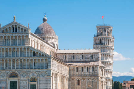 Pisa, Italy: detail of the Pisa cathedral and the world famous leaning tower 스톡 콘텐츠