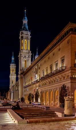 Night view of the Basilica del Pilar and the square Stock Photo
