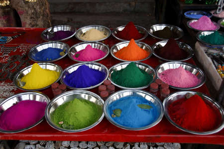 diversity of powder colors for skin dyeing in metal plates