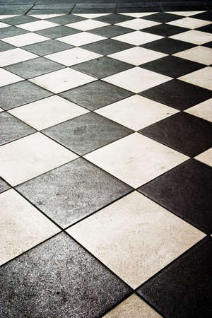 floor pattern in high contrast