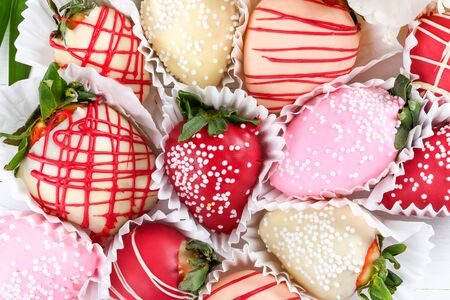 Chocolate dipped strawberries dessert mix ideal for Valentine's Day, Mother's Day, Woman's Day, brunch buffet, birthday or name day celebration party, romantic candy bar with spring March flowers