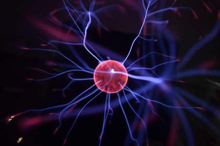 テスラ コイル - 研究所の物理学実験