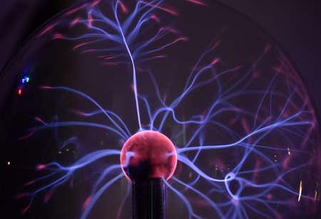 bobina: bobina de Tesla - experimento de física en el laboratorio
