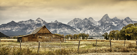 wyoming: Old barn with the Grand Tetons in the background Stock Photo