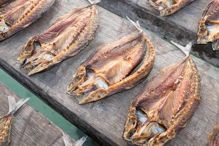 Tropische Fische Trocknen in der Sonne Lizenzfreie Bilder
