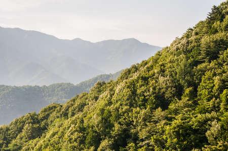 Abendansicht von einem gondala der Berge in der Nähe von Berg Fuji in Japan.