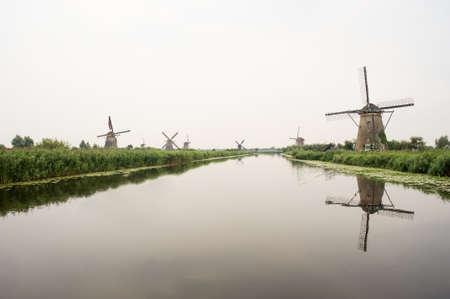 Windmühlen in Kinderdijk, einem UNESCO-Niederlande Lizenzfreie Bilder