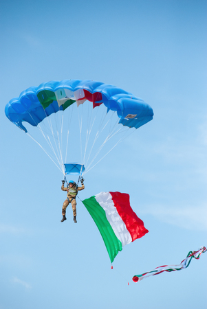 paratrooper: Rome, Italy. november 6, 2011. A soldier paratrooper During The celebration day of the Italian armed forces Editorial