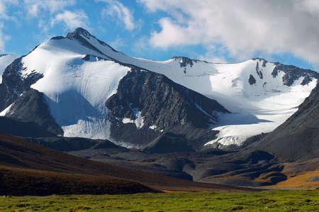 cansancio: Monta�as de paisaje, Altay  Foto de archivo