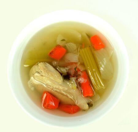 白い背景の上の鶏のスープ。 写真素材