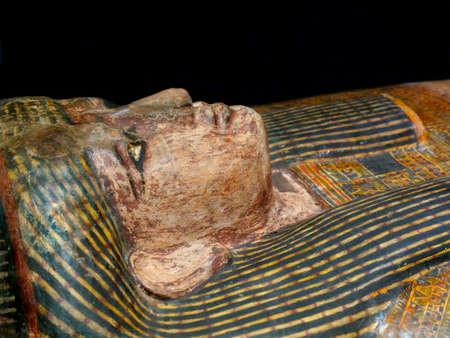 Statue égyptienne antique - Cercueil Ruru