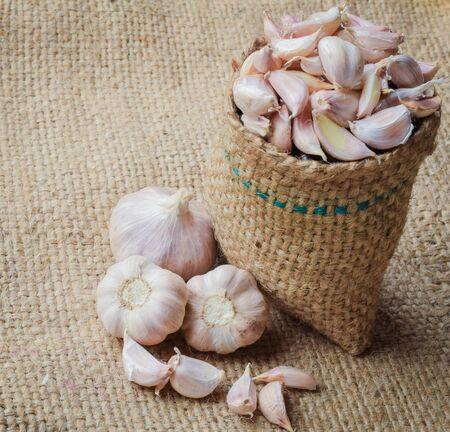 burlap sac: Cloves of garlic