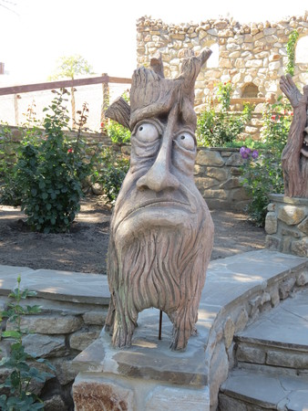 wooden creature amazing sculpture Standard-Bild