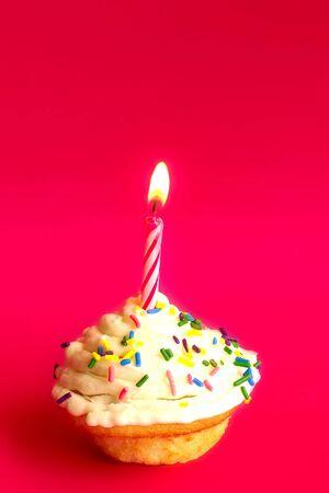 a single birthday cupcake Archivio Fotografico