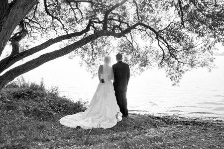 la novia y prepara tomar un momento junta Foto de archivo