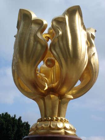 hk: Golden Bauhinia blakeana statue at Golden Bauhinia Square, HK