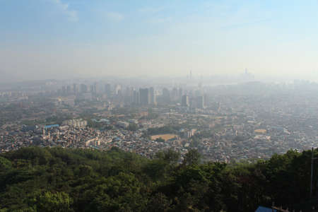 bird s eye: A bird s eye view of Seoul from the Namsan Park in Seoul, South Korea