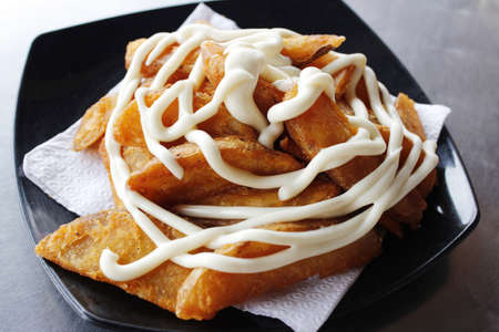 potato wedges: Potato wedges with mayonnaise