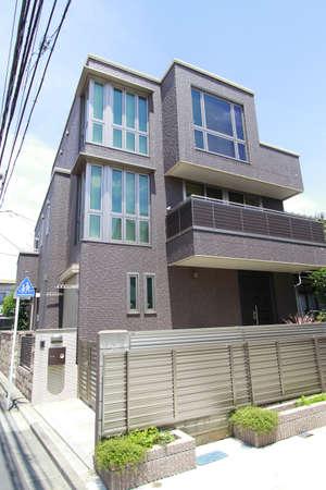 resident: Koenji Resident Architecture Editorial
