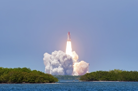cape canaveral: Shuttle launch Atlantis - Cape Canaveral Editorial