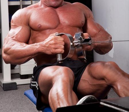 Bodybuilder training his back