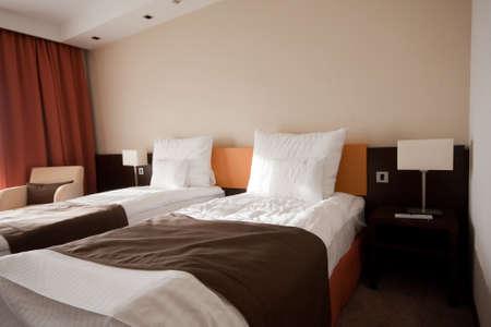 hospedaje: habitación en un hotel con cátedra Editorial