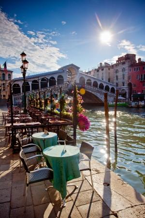 rialto bridge: rialto bridge in Venice with terrace Editorial
