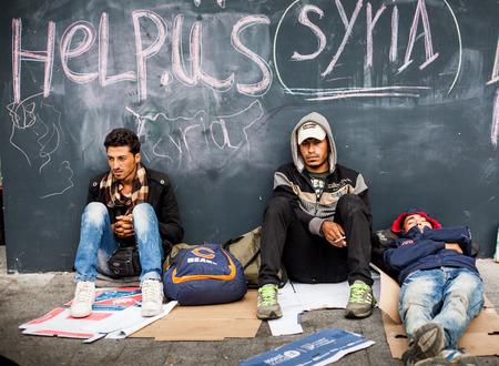 BUDAPEST - 4. September: War Flüchtlinge am Ostbahnhof am 4. September 2015 in Budapest, Ungarn. Flüchtlinge sind ständig der Ankunft in Ungarn auf dem Weg nach Deutschland. Editorial