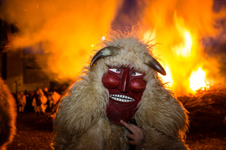 farsang: MOHACS, HUNGARY - FEBRUARY 9: Unidentified people in mask participants at the Mohacsi Busojaras, it is a carnival for spring greetings February 9, 2016 in Mohacs, Hungary. Editorial
