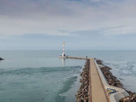 Icy Lake Balaton with pier in Siofok Banco de Imagens - 150949805