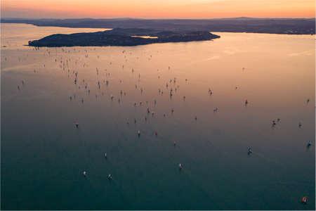 Sunset with Sailing boats at Lake Balaton Imagens