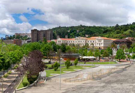 View of urban change in the city of Bilbao in the Spanish Basque country Archivio Fotografico