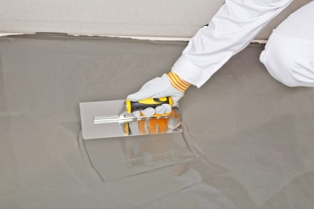 Spreading Self Leveling Compound With Trowel