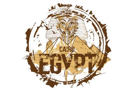 Egitto, Giza, Tutankhamon Maschera del re faraone egiziano e la piramide di Khafre con cammello