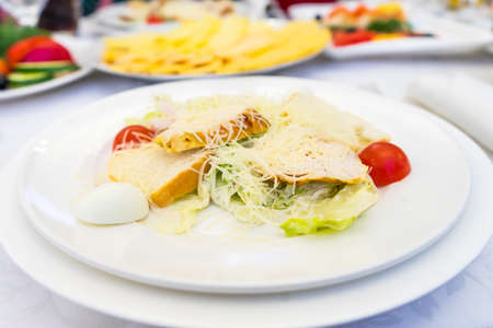 Photo of the Caesar salad. classic recipe. Banco de Imagens - 134526544