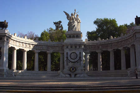 General and front  view of the Hemiciclo a Juarez a marble monument in the honor of the president Benito Juarez in the Alameda city park in Mexico City, Mexico, Latin America Imagens