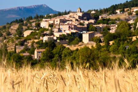 settlements: View of the medieval town of Aurel, Vaucluse, Provence, France