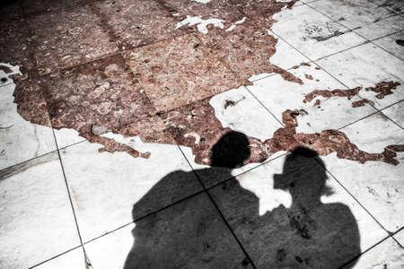 descubridor: Detalle del mosaico en el Monumento a los Descubrimientos en Lisboa Portugal