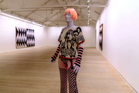 metropolis image: London, England - August 13, 2014: Saatchi Gallery of Art in Chelsea, London, England, United Kingdom Editorial