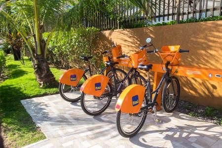 turismo ecologico: Salvador, Bahia, Brazil - October 27, 2016: public bicycle transport for tourist
